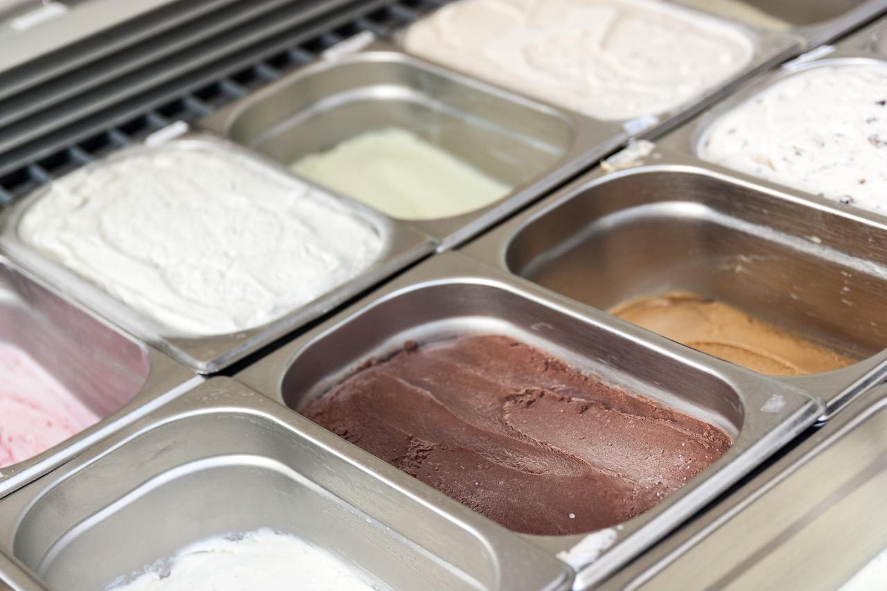גלידות שוקולד, קפה, גבינת פירות יער בגלידריה מוסלין